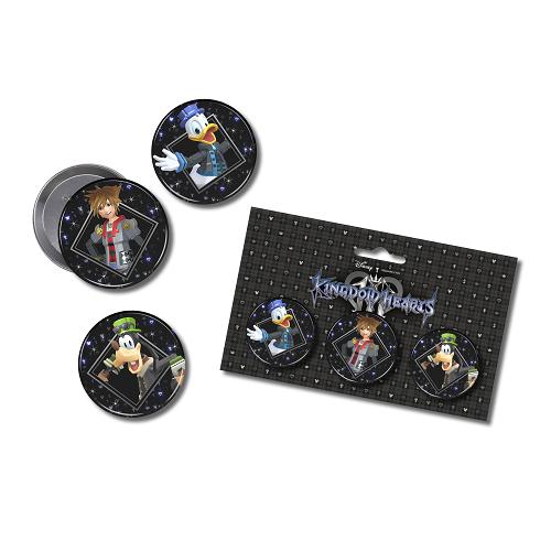 Un set de 3 Badges avec Sora - Donald & Dingo en
