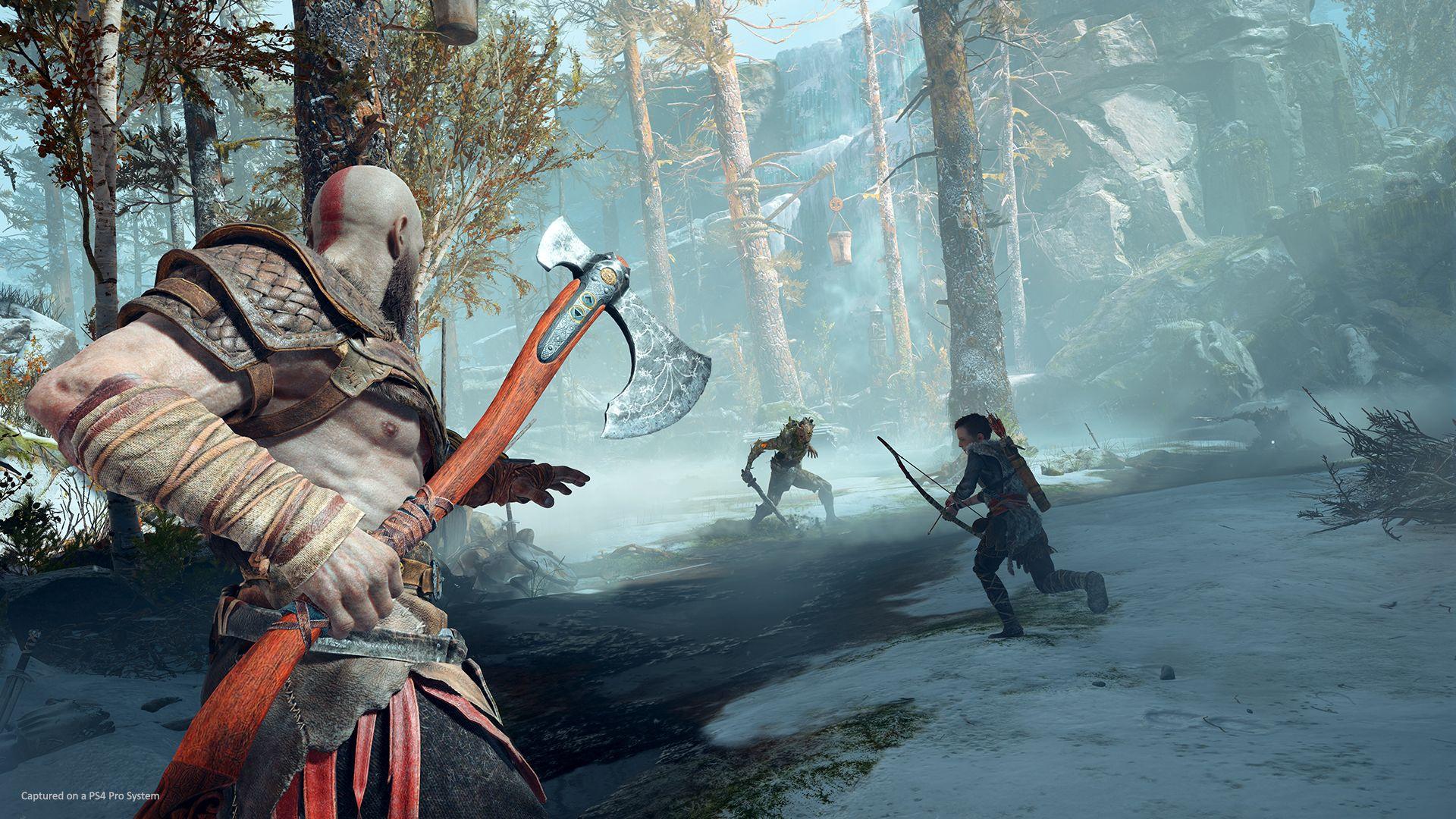 Kratos au combat avec son fils Atreus